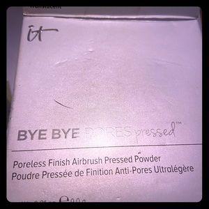 It translucent power Bye Bye pores